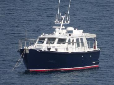 AYC Yachtbrokers - Trawler Meta King Atlantique - Au mouillage