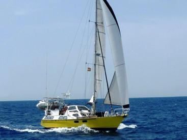 AYC - DALU 40 / Sous voiles