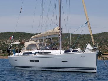 AYC Yachtbroker - Dufour 405 Grand Large - Au mouillage