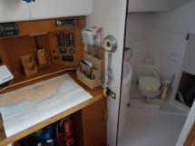 Bi-Loup 36 - Table à cartes et salle d'eau
