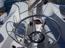 Bi-Loup 36 - Poste de barre et cockpit