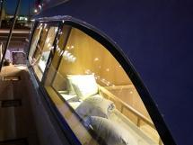 NG 66' Catamaran - Détail d'ambiance lumineuse