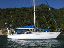 AYC Yachtbroker - Gael 43 - Au mouillage