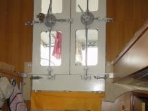 ALUMINIUM CUTTER 53' - Portes étanches de la timonerie