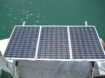 Panneaux solaires sur bossoirs