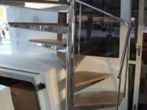 Escalier vers fly / Descente cabine arrière babord