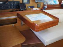 Sun Odyssey 42 i - Table à cartes