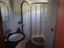 Salle de bain coque bâbord