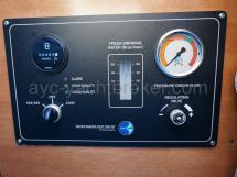 Panneau de commande du dessalinisateur
