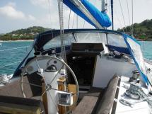 AYC Yachtbroker - Gael 43 - Poste de barre et cockpit