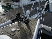 AYC Yachtbroker - JFA 45 Deck Saloon - Enrouleurs