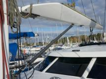 AYC Yachtbroker - JFA 45 Deck Saloon - Bôme canoë carbone et hâlebas hydraulique