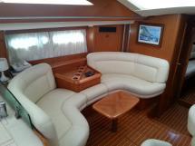 Sun Odyssey 54 DS - Petit salon bâbord