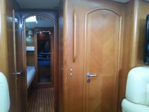 Sun Odyssey 54 DS - Portes des deux cabines latérales avant