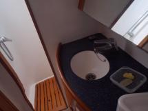 AYC - Pilot Saloon - Salle d'eau propriétaire douche