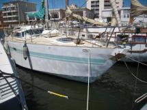 AYC Beaujolais - Au port tribord