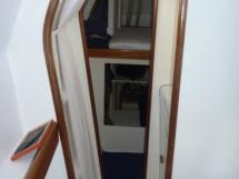 Salle de bain et coursive bâbord