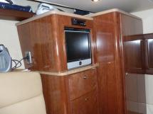 MERIDIAN 411 Sedan - Meuble télé de la cabine centrale