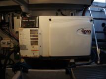 MERIDIAN 411 Sedan - Groupe électrogène Onan