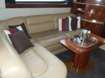MERIDIAN 411 Sedan - Table du salon