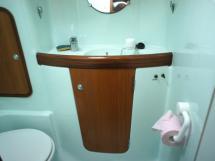 Salle d'eau tribord avant
