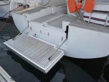 Plateforme arrière électrique / Rangement bib