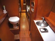 Salle d'eau propriétaire tribord avant (douche séparée)