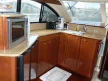 MERIDIAN 411 Sedan - Cuisine