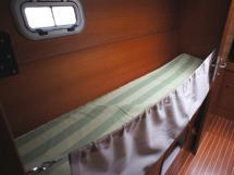 Couchette simple dans cabine centrale babord