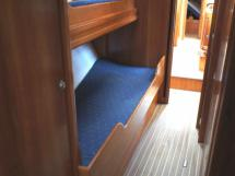 Cabine avant tribord (couch. superposées)