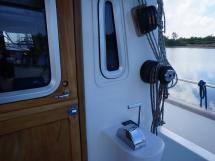 AYC - Trawler fifty 38 / Cockpit et porte timonerie intérieure