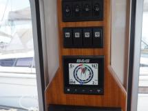 AYC - Trawler fifty 38 / Electronique au poste de barre