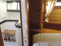 Salle d'eau bâbord de la cabine avant