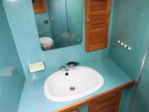 AYC - Jeroboam / Salle d'eau cabine avant