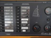 AYC - Lavezzi 40 / Tableau électrique table à carte
