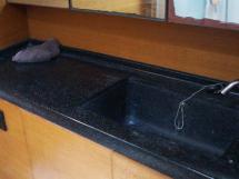 AYC Yachtbroker - GRAND SOLEIL 54 - salle d'eau avant