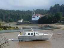 AYC Yachtbroker - Trawler Meta King Atlantique - A l'échouage