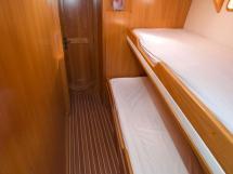 OVNI 47 - Cabine à lits superposés avant bâbord