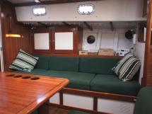 AYC Yachtbrokers - Tocade 50 - Banquette tribord / banette de quart