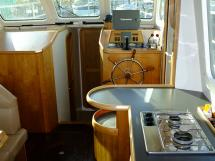 AYC Yachtbroker - Trawler Meta King Atlantique - Poste de barre