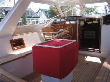 Nordia 65 - Cockpit avec table repliée