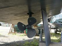 Meta Trawler 33 - Saildrive et son aileron