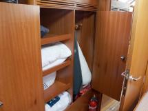 Alliage 44 - Penderie de la cabine avant