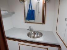 Alliage 44 - Salle d'eau de la cabine avant