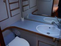VATON 78 - Salle d'eau babord