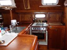 Universal Yachting 49.9 - Cuisine