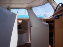 Highland 35 -  Poste de barre intérieur vu de la descente tribord