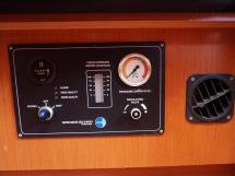 Oceanis 50 - Panneau de contrôle du dessalinisateur