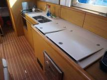 Sun Odyssey 49 i - Plan de travail de la cuisine