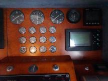 Guy Couach 1800 - Instruments au poste de barre intérieur
